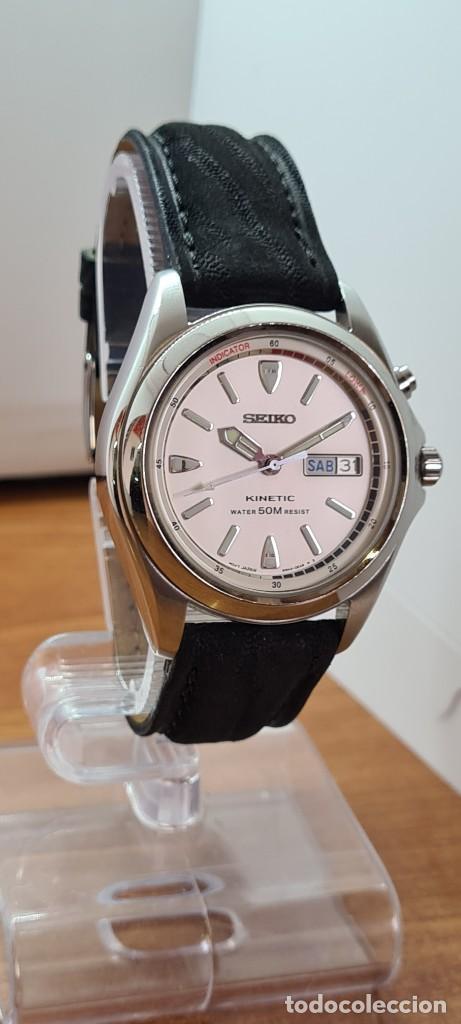 Relojes - Seiko: Reloj (Vintage) SEIKO. Kinetic, automático, esfera blanca, doble calendario tres, correa cuero negra - Foto 13 - 284396488
