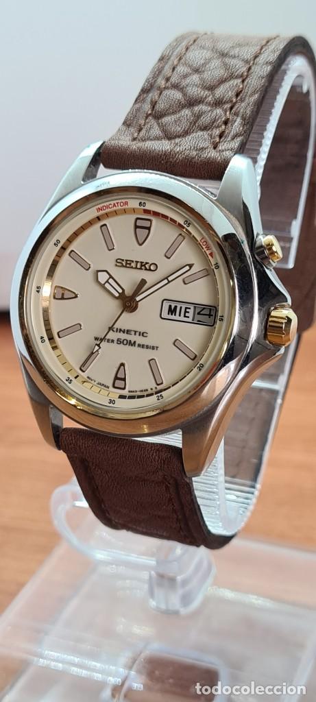 Relojes - Seiko: Reloj (Vintage) SEIKO. Kinetic, automático, esfera blanca, doble calendario tres, correa cuero marró - Foto 2 - 284403608