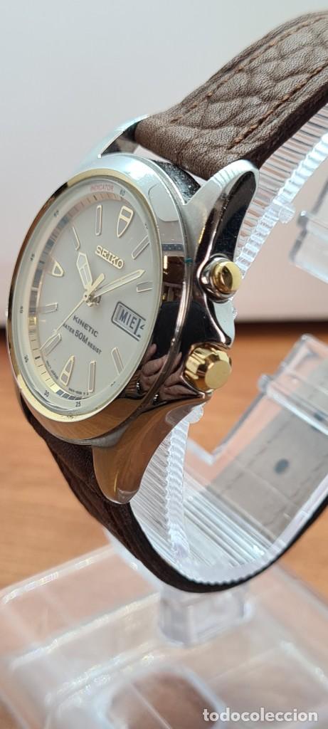 Relojes - Seiko: Reloj (Vintage) SEIKO. Kinetic, automático, esfera blanca, doble calendario tres, correa cuero marró - Foto 5 - 284403608
