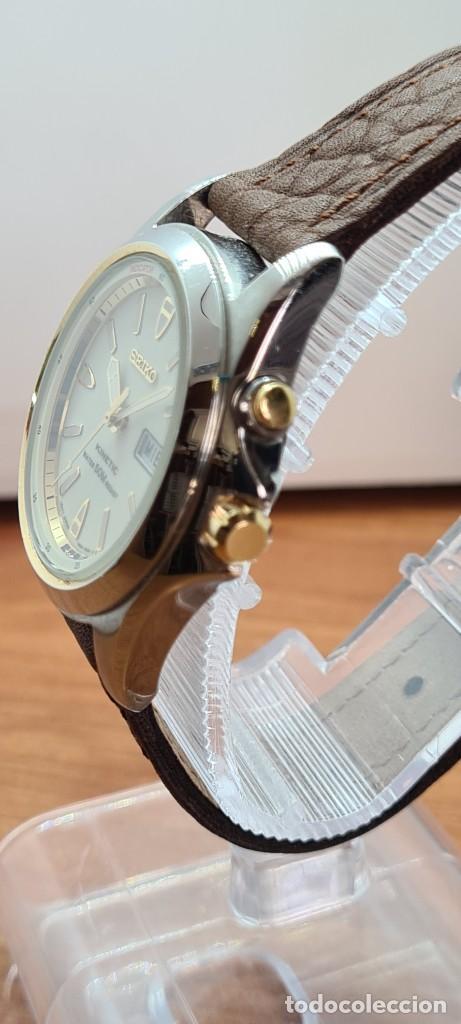 Relojes - Seiko: Reloj (Vintage) SEIKO. Kinetic, automático, esfera blanca, doble calendario tres, correa cuero marró - Foto 7 - 284403608
