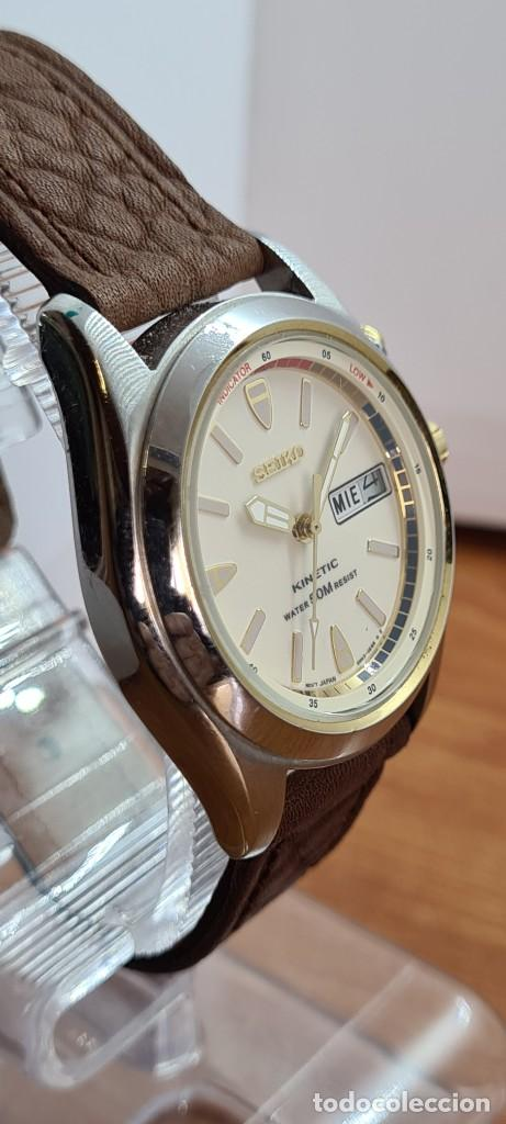 Relojes - Seiko: Reloj (Vintage) SEIKO. Kinetic, automático, esfera blanca, doble calendario tres, correa cuero marró - Foto 8 - 284403608