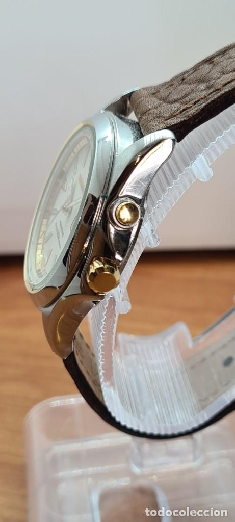 Relojes - Seiko: Reloj (Vintage) SEIKO. Kinetic, automático, esfera blanca, doble calendario tres, correa cuero marró - Foto 9 - 284403608