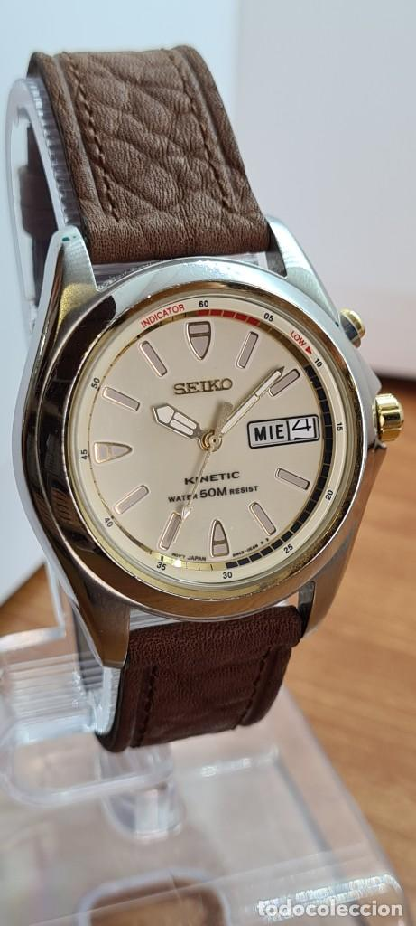 Relojes - Seiko: Reloj (Vintage) SEIKO. Kinetic, automático, esfera blanca, doble calendario tres, correa cuero marró - Foto 12 - 284403608