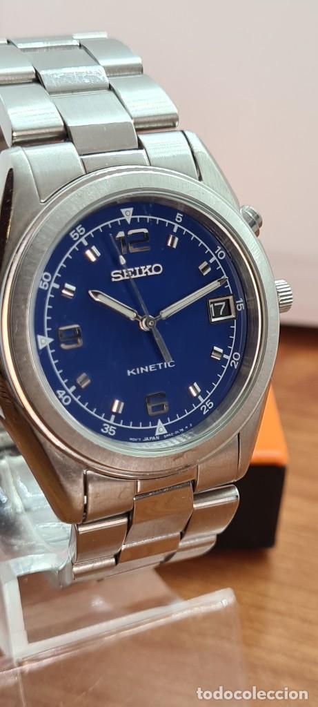 Relojes - Seiko: Reloj (Vintage) SEIKO. Kinetic, automático, esfera azul, calendario tres, correa de acero original - Foto 2 - 284409368