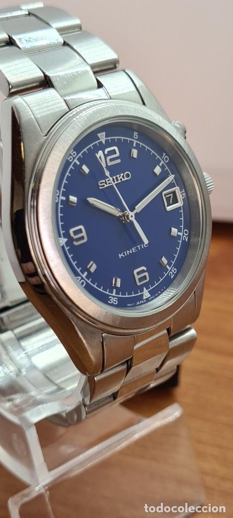 Relojes - Seiko: Reloj (Vintage) SEIKO. Kinetic, automático, esfera azul, calendario tres, correa de acero original - Foto 4 - 284409368