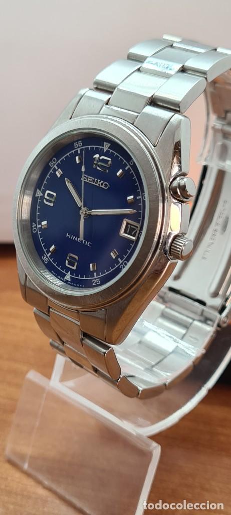 Relojes - Seiko: Reloj (Vintage) SEIKO. Kinetic, automático, esfera azul, calendario tres, correa de acero original - Foto 5 - 284409368