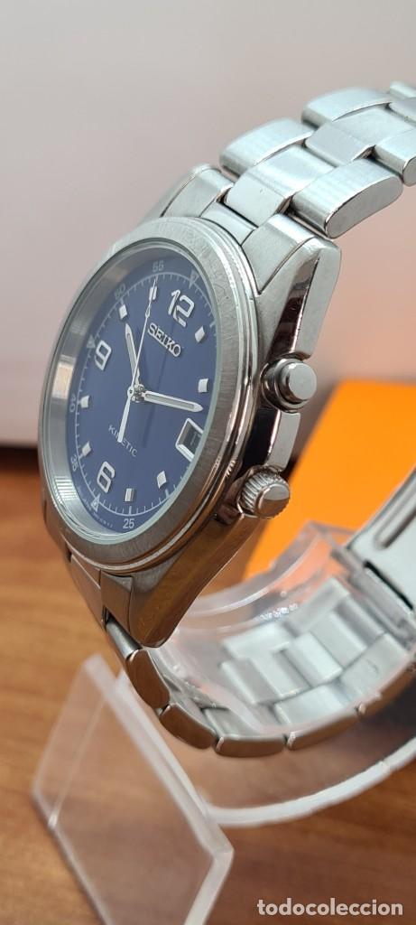 Relojes - Seiko: Reloj (Vintage) SEIKO. Kinetic, automático, esfera azul, calendario tres, correa de acero original - Foto 7 - 284409368