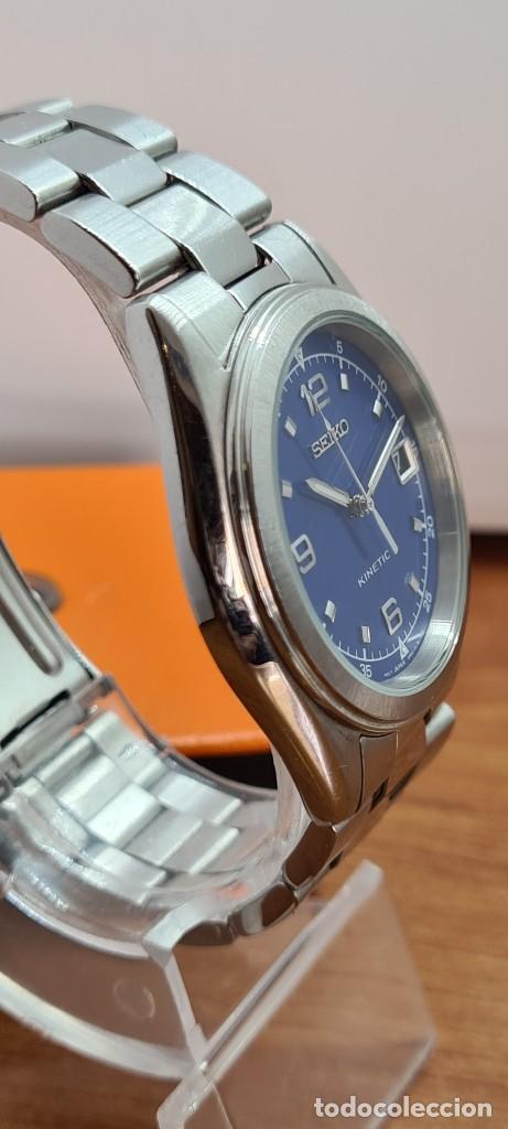 Relojes - Seiko: Reloj (Vintage) SEIKO. Kinetic, automático, esfera azul, calendario tres, correa de acero original - Foto 8 - 284409368