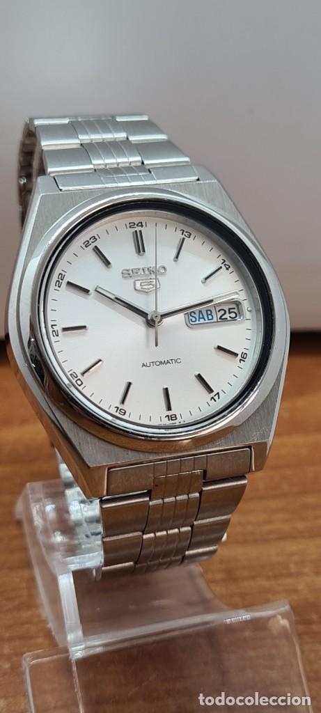 Relojes - Seiko: Reloj (Vintage) SEIKO 5, automático 21 rubis, esfera blanca, doble calendario tres, correa acero. - Foto 3 - 284414043