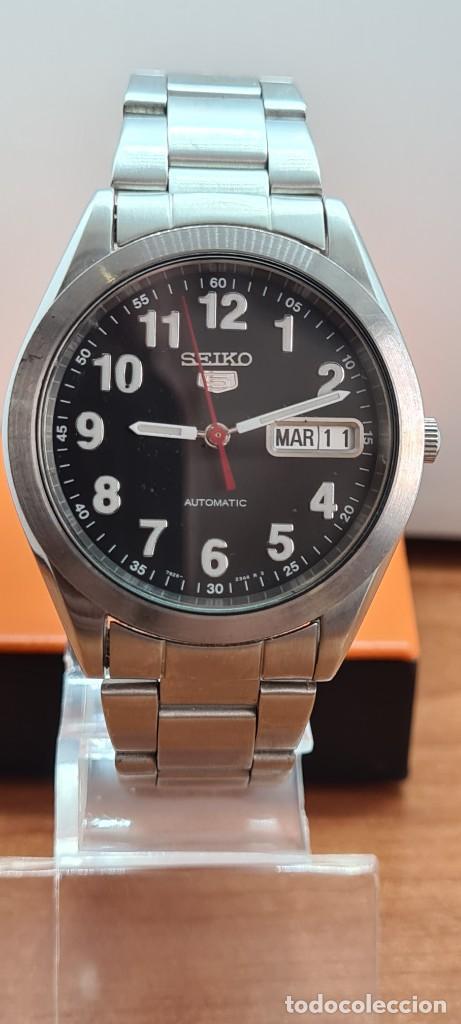 Relojes - Seiko: Reloj (Vintage) SEIKO 5, automático 21 rubis, esfera negra, doble calendario tres, correa de acero - Foto 3 - 284415463