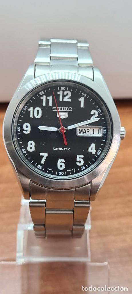 Relojes - Seiko: Reloj (Vintage) SEIKO 5, automático 21 rubis, esfera negra, doble calendario tres, correa de acero - Foto 13 - 284415463