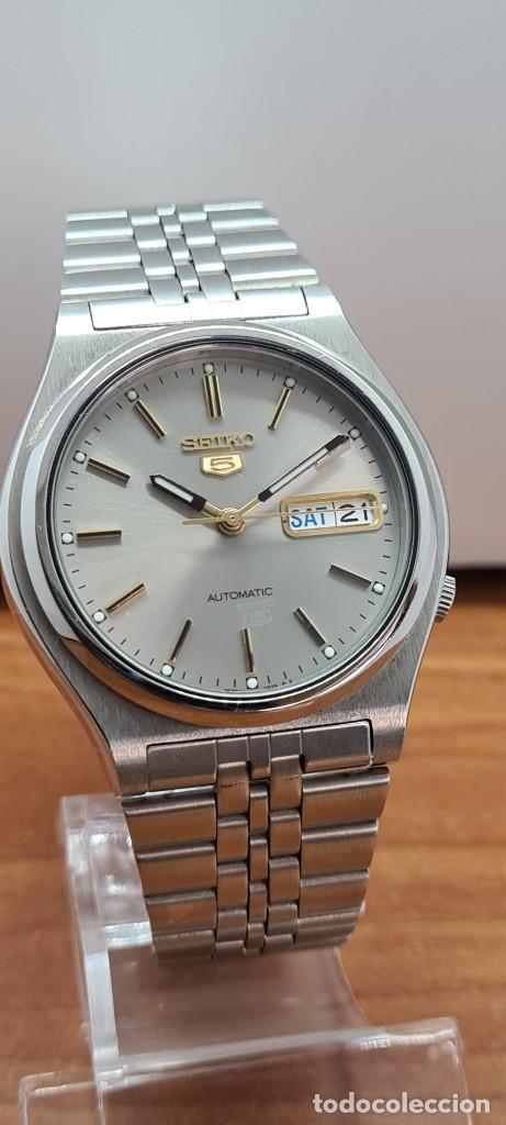 Relojes - Seiko: Reloj (Vintage) SEIKO 5, automático 21 rubis, esfera gris, doble calendario tres, correa acero Seiko - Foto 17 - 284416713