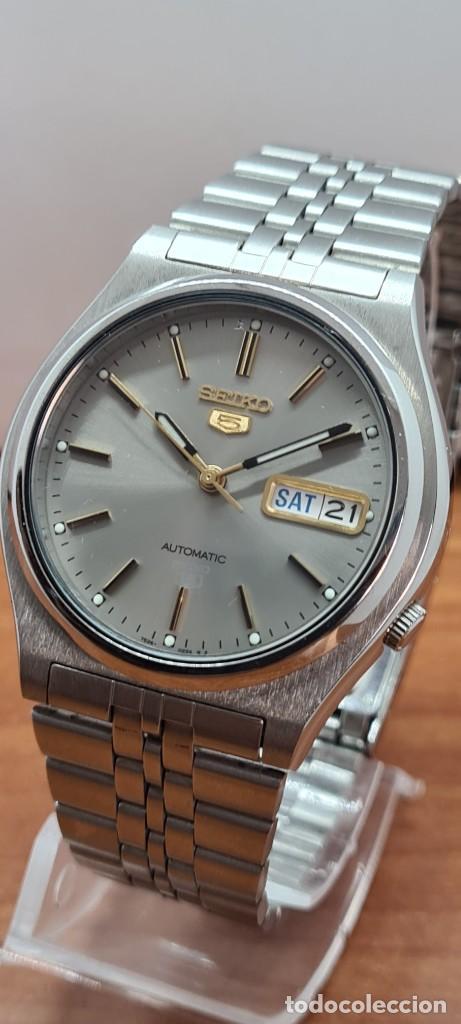 Relojes - Seiko: Reloj (Vintage) SEIKO 5, automático 21 rubis, esfera gris, doble calendario tres, correa acero Seiko - Foto 18 - 284416713