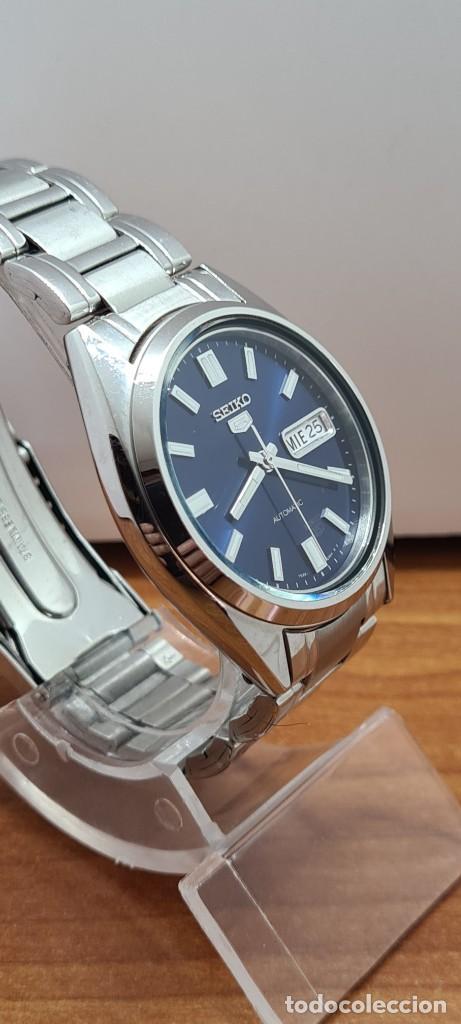 Relojes - Seiko: Reloj (Vintage) SEIKO 5, automático 21 rubis, esfera azul, doble calendario tres, correa acero Seiko - Foto 9 - 284417078