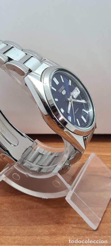Relojes - Seiko: Reloj (Vintage) SEIKO 5, automático 21 rubis, esfera azul, doble calendario tres, correa acero Seiko - Foto 16 - 284417078