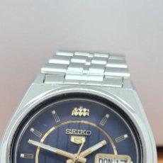 Relógios - Seiko: RELOJ (VINTAGE) SEIKO 5, AUTOMÁTICO 21 RUBIS, ESFERA AZUL, DOBLE CALENDARIO TRES, CORREA ACERO.. Lote 284454723