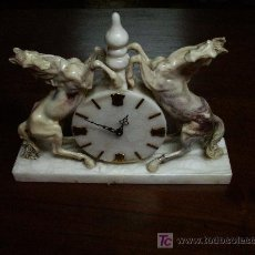 Relojes de carga manual: RELOJ DE SOBREMESA DE MARMOL MACIZO.. Lote 26447194