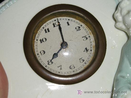 Relojes de carga manual: ANTIGUO RELOJ DE SOBREMESA DE CARGA MANUAL EN MAYOLICA CON FIGURA DE MUSICO - Foto 9 - 27482624
