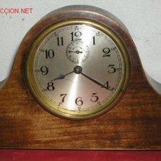 Relojes de carga manual: RELOJ DE SOBREMESA DE MADERA. Lote 12286444