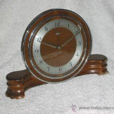 Relojes de carga manual: RELOJ SOBREMESA DE MADERA MARCA METAMEC - FUNCIONANDO CORRECTAMENTE. Lote 27409845