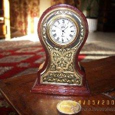 Relojes de carga manual: RELOJ MADERA ,CHAPADO EN ORO LAPIDADO POR DELANTE. Lote 27543548