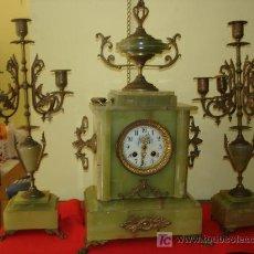 Relojes de carga manual: RELOJ DE MARMOL CON GUARNICIÓN. Lote 45101332