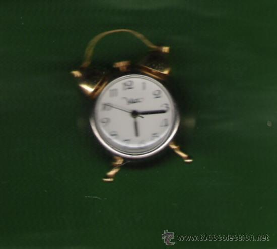 PRECIOSO RELOJ DESPERTADOR DE COLECCION DE PILAS MARCA MAX DE 3,5 CM.DE DIAMETRO (Relojes - Sobremesa Carga Manual)