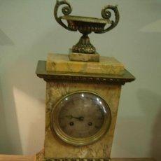 Relojes de carga manual: ESPECTACULAR RELOJ CARLOS X DE SOBREMESA EN MARMOL SIENA Y BRONCE CON PENDULO DE MONEDA PRECIOSO. Lote 26902897