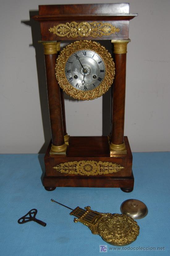 Relojes de carga manual: RELOJ ESTILO IMPERIO DE PALMA DE CAOBA Y CAOBA CON APLIQUES DE BRONCE Y ORO FINO - Foto 4 - 27019221