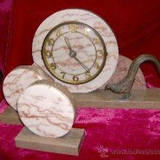 Relojes de carga manual: RELOJ ART DECÓ & GUARNICION. Lote 17861938