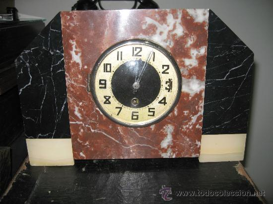 RELOJ DE MESA EN MARMOL VARIOS COLORES ART DECO FUNCIONANDO CON LLAVE 33 CM ANCHO, 22,5 ALTO 8 CM. F (Relojes - Sobremesa Carga Manual)