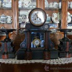 Relojes de carga manual: RELOJ DE SOBREMESA CON GUARNICIONES, FABRICADO POR MONNIER EN EL SIGLO XIX EN MARMOL BELGA.. Lote 24481256