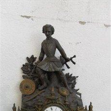 Relojes de carga manual: RELOJ FRANCES EN BRONCE Y CALAMINA. Lote 28316370
