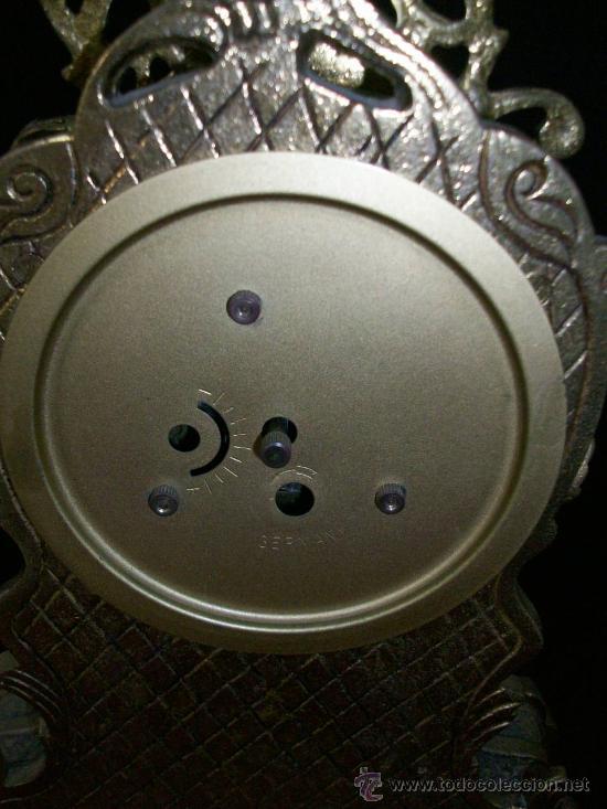 Relojes de carga manual: RELOJ BRONCE - NO FUNCIONA - PIE DE MADERA - MARCA GERMANY - Foto 2 - 28488325