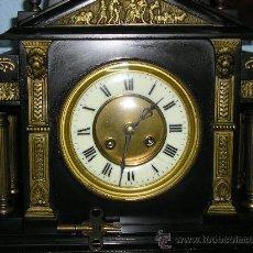 Relojes de carga manual: MAGNIFICO RELOJ DE MARMOL NEGRO, TEMPLO GRIEGO. Lote 28878768