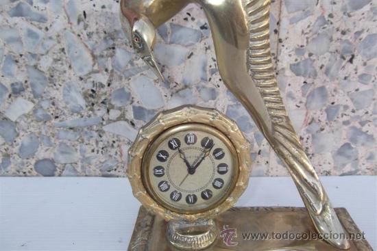 Relojes de carga manual: reloj de sobremesa de bronce con figura - Foto 2 - 28999076