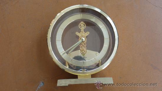 RELOJ DE SOBREMESA MARCA RHYTHM QUARTZ DE JAPON, AÑOS 60S. (Relojes - Sobremesa Carga Manual)