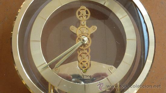 Relojes de carga manual: Reloj de sobremesa marca Rhythm quartz de Japon, años 60s. - Foto 2 - 29707047