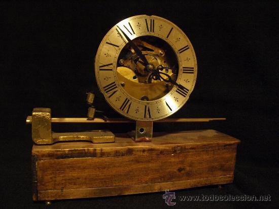 CURIOSO RELOJ DE CHIMENEA (Relojes - Sobremesa Carga Manual)