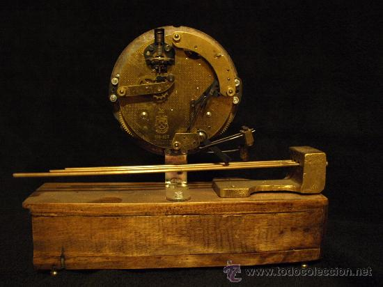 Relojes de carga manual: Curioso reloj de chimenea - Foto 2 - 30751575