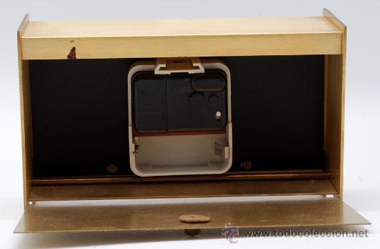Relojes de carga manual: Reloj sobremesa en metal dorado Staiger Quarzt años 70 Funciona - Foto 5 - 33059821