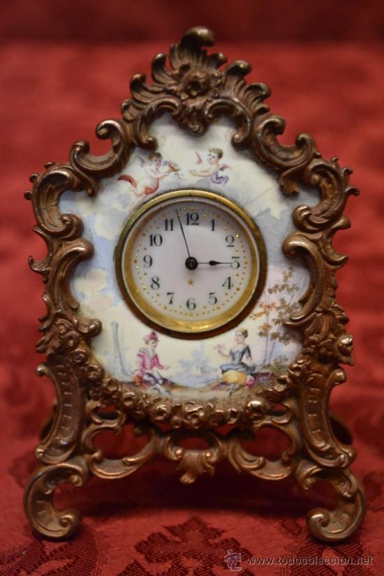 MAGNIFICO Y ANTIGUO RELOJ DE SOBREMESA DE ESMALTE DE VIENA,S. XIX (Relojes - Sobremesa Carga Manual)