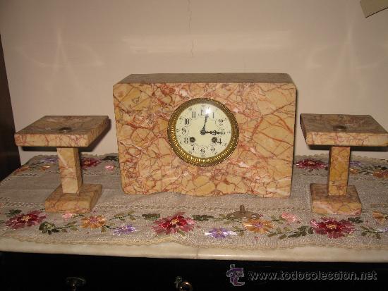 RELOJ DE SOBREMESA ESTILO ART DECO MAQUINA PARIS, CON GUARNICIÓN MARMOL OCRE ROSADO FUNCIONANDO (Relojes - Sobremesa Carga Manual)