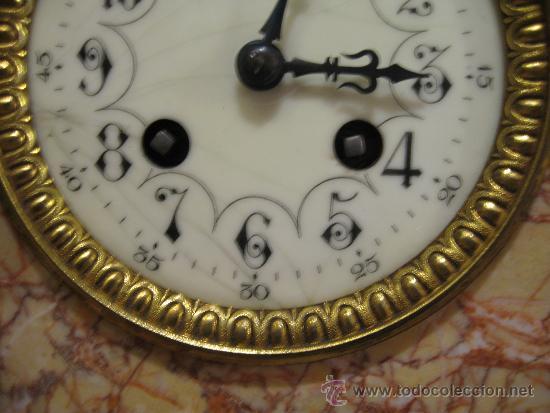 Relojes de carga manual: RELOJ DE SOBREMESA ESTILO ART DECO MAQUINA PARIS, CON GUARNICIÓN MARMOL OCRE ROSADO FUNCIONANDO - Foto 5 - 33808381