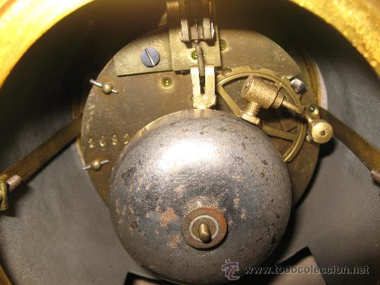 Relojes de carga manual: RELOJ DE SOBREMESA ESTILO ART DECO MAQUINA PARIS, CON GUARNICIÓN MARMOL OCRE ROSADO FUNCIONANDO - Foto 11 - 33808381