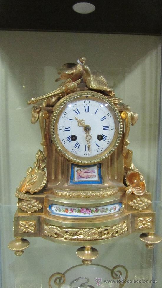 PRECIOSO RELOJ FRANCÉS TIPO PARÍS SIGLO XIX. (Relojes - Sobremesa Carga Manual)