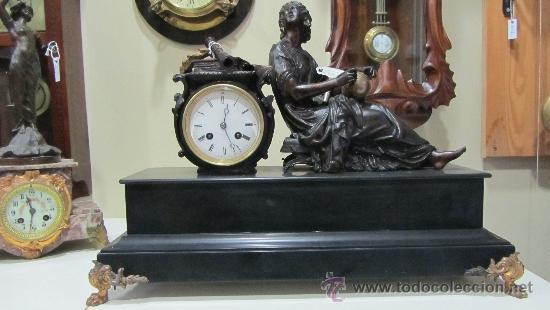 RELOJ FRANCÉS ESTILO IMPERIO SIGLO XIX (Relojes - Sobremesa Carga Manual)