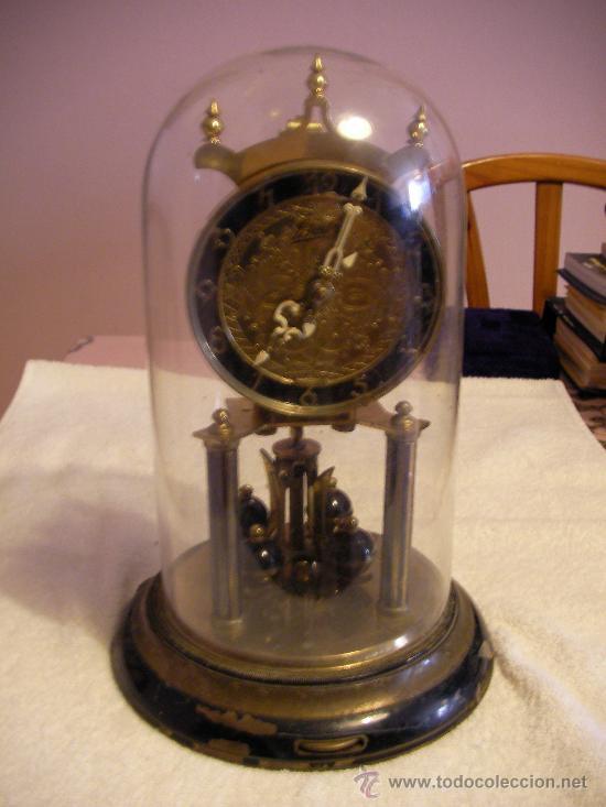 Antiguo reloj sobre mesa con urna de cristal ma comprar for Reloj digital de mesa
