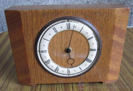 RELOJ DE MESA .. MADE IN GREAT BRITAIN .. MADERA DE ROBLE SIN POLILLA (Relojes - Sobremesa Carga Manual)