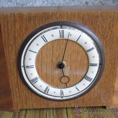 Relojes de carga manual: RELOJ DE MESA .. MADE IN GOAT BRITAIN .. MADERA DE ROBLE SIN POLILLA. Lote 84660795